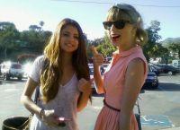 Selena Gomez va Teylor Swift bir-birlarining kompaniyasida juda qulay his etadilar