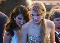 Selena Gomez va Teylor Swift bir-birlarining hazil tuyg'usini qadrlashadi
