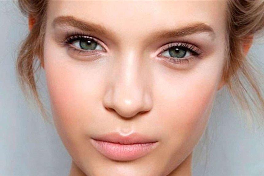 Картинки по запросу нанесение основы для макияжа